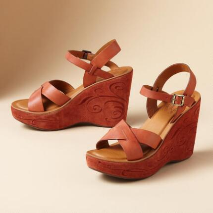 EMBROIDERED BETTE SANDAL