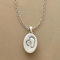 MOTHER & CHILD FOOTPRINTS NECKLACE
