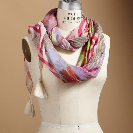 FINE FEATHERED SCARF