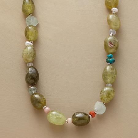 GREEN GARNET GALA NECKLACE