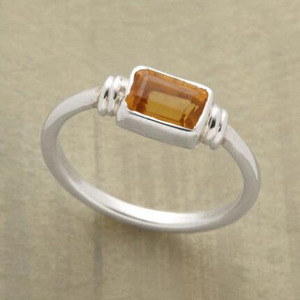 This slice of gold citrine ring delivers just the touch of color you were looking for.