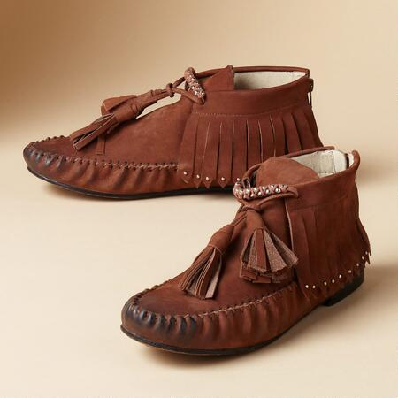 MODERN MOCCASIN BOOTS
