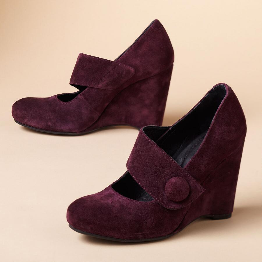 LUSI WEDGE PUMPS