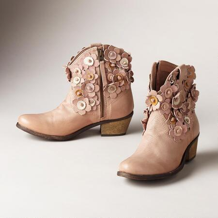 BLOOMING BOOTS