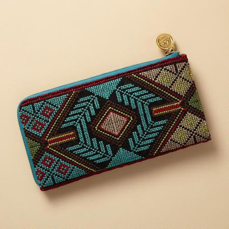 NEEDLEWORK WALLET CLUTCH