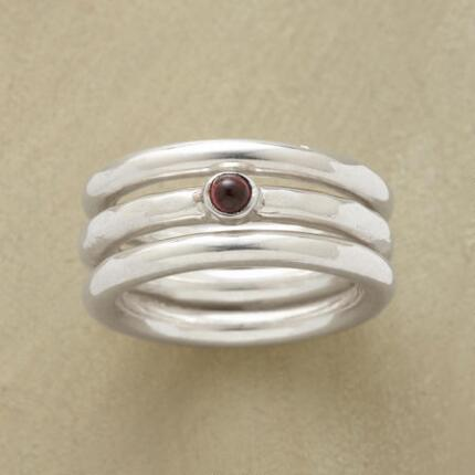 ROUND THE GARNET RING SET S/3