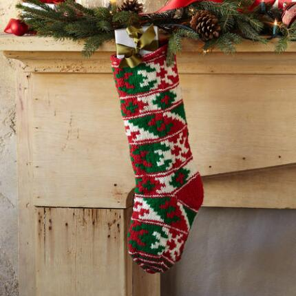 RED/GREEN SNOWFLAKE STOCKING