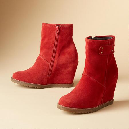 COMFORT WEDGE BOOTIES