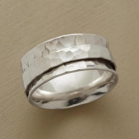 RAINFOREST SPINNER RING
