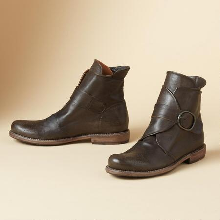 FLAP FRONT BOOTS