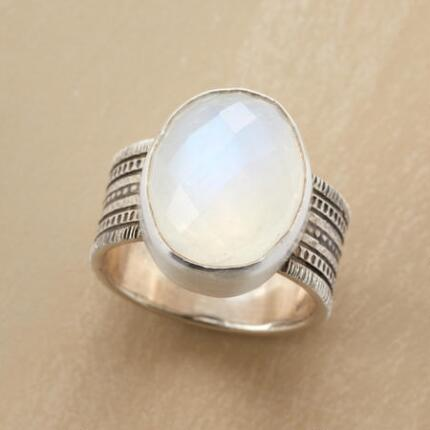 RISING MOONSTONE RING