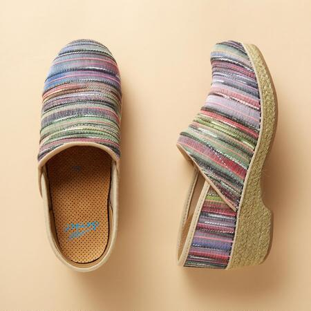 COOL OF EVERY STRIPE CLOGS