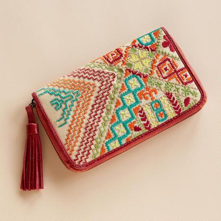 STITCHED SAMPLER CLUTCH