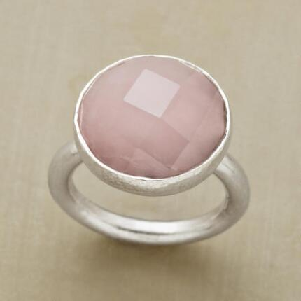 ROUND AND ROSY QUARTZ RING