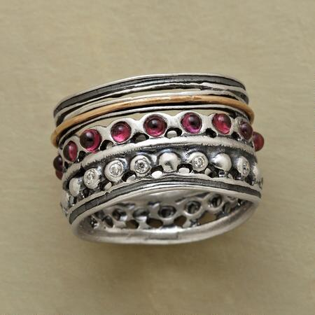 THREE TIERS RING