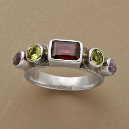 GARNET AT HEART RING