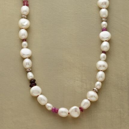 PEARLS & PINK NECKLACE