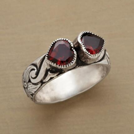 KISSING GARNETS RING