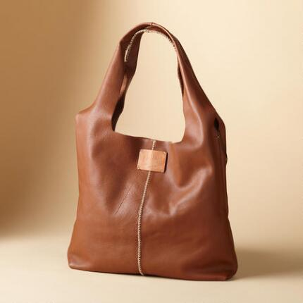 ESSENTIAL STITCHED BAG