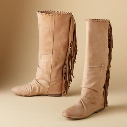 WALK SOFT FRINGE BOOTS