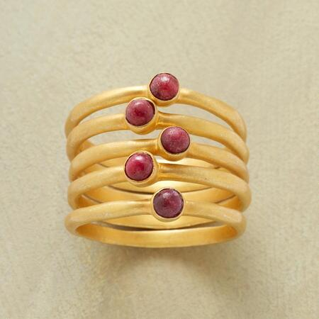 SUITE OF RASPBERRY RINGS S/5