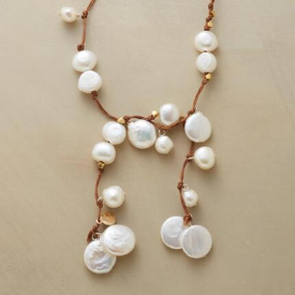 WILLOW PEARL NECKLACE