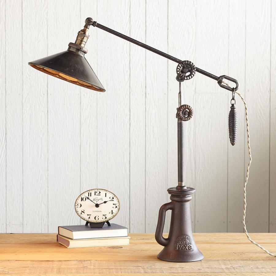 INDUSTRIAL GLAMOUR LAMP