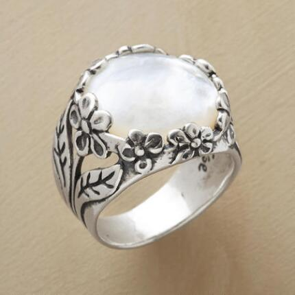 Its elegant charm makes this mother of pearl garden ring a piece to cherish.