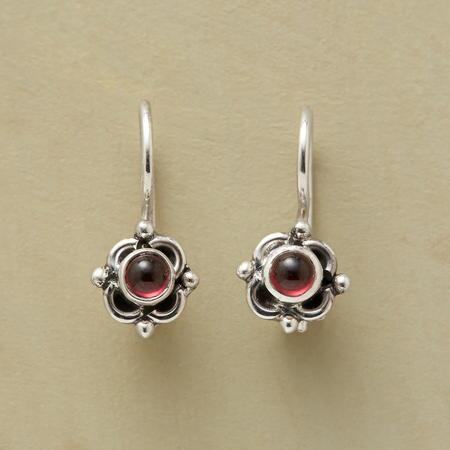 QUATRO GARNET EARRINGS