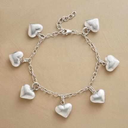 HEARTS FULL OF LOVE BRACELET