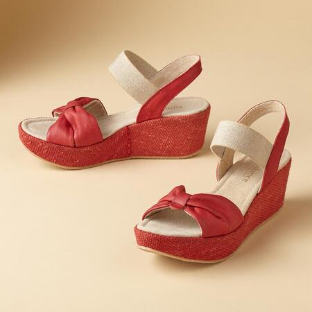 BASKET WEDGE SANDALS