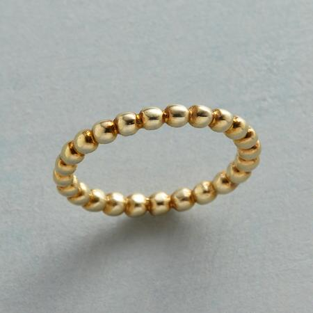 With its beaming beadlike design, this delicate sun 14kt gold ring will be the sunshine of your life.