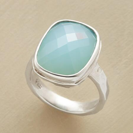 CHECKED CHALCEDONY RING