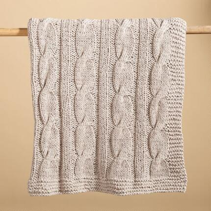 TAUPE CABLEKNIT THROW