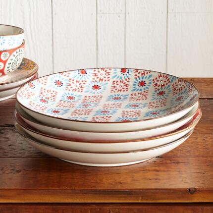 This unique ceramic dinner plates set mixes things up with its variety of pretty patterns.