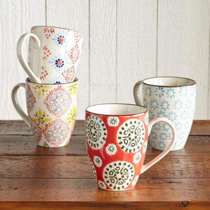 Four different patterns give you more reasons to love your ceramic mugs set.