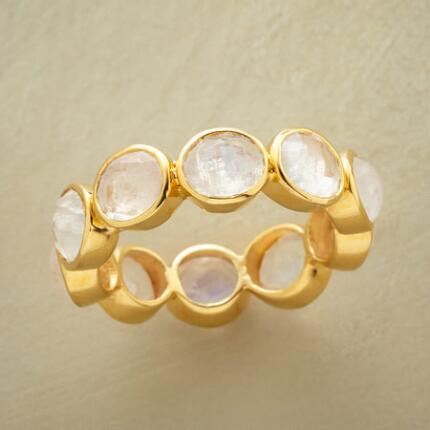 A gorgeous endless moonstone 18kt gold ring with ample glitter and gleam.
