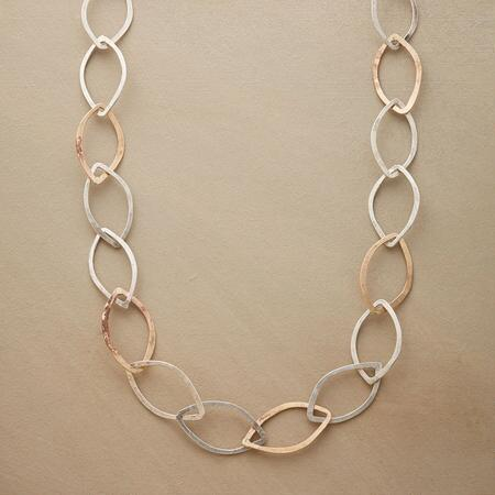 ILION NECKLACE