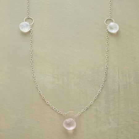 FINE POINTS NECKLACE