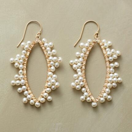 PEARL FRILL EARRINGS