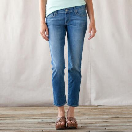 PAIGE SKYLINE PEGGED ANKLE JEANS