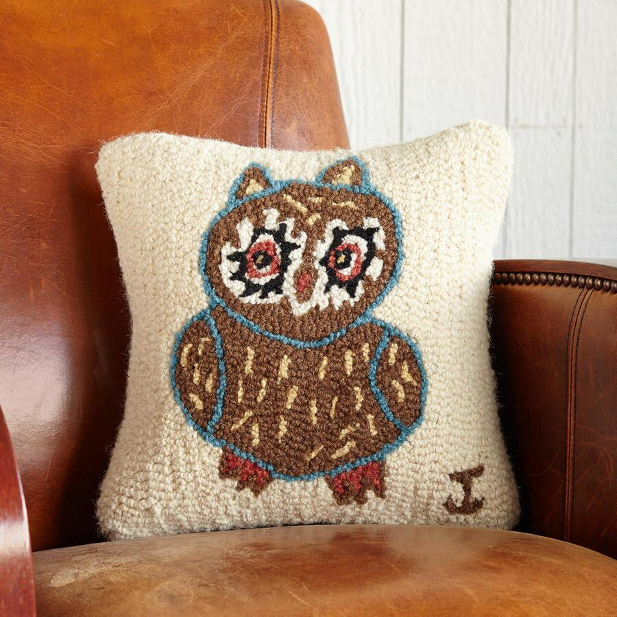 WISE OWL HOOKED PILLOW