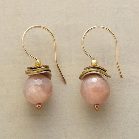 PLUMP PEACH EARRINGS