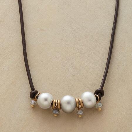 PEARL LINEUP NECKLACE