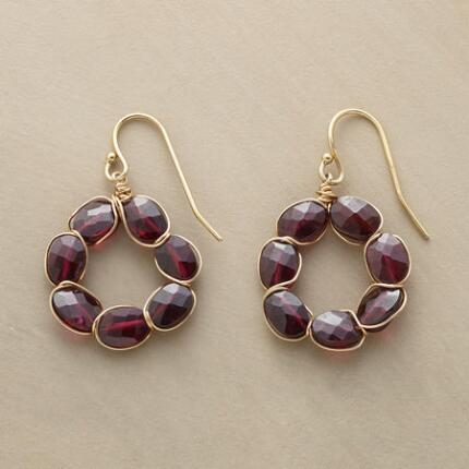 A glowing, golden-veined pair, these garnet and vermeil circle earrings are sumptuously stunning.