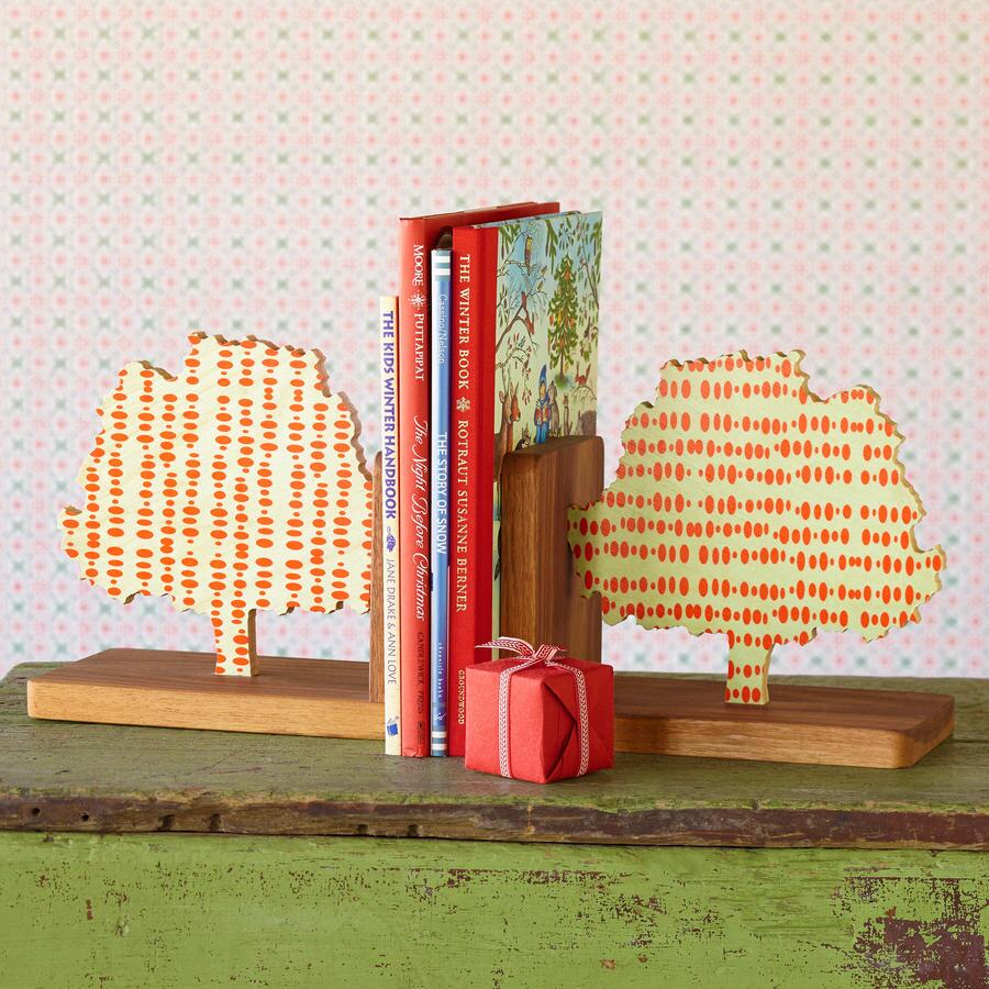 TALL TALES BOOKEND