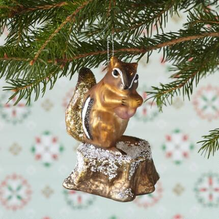 FOREST SQUIRREL ORNAMENT