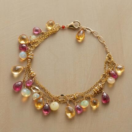 LOVELY LINKED BRACELET