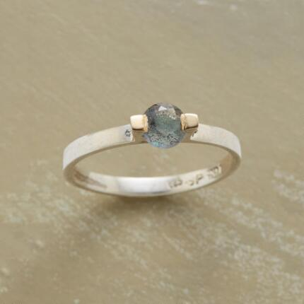 The delicate elegance of this labradorite mythos ring will have you wearing it daily.