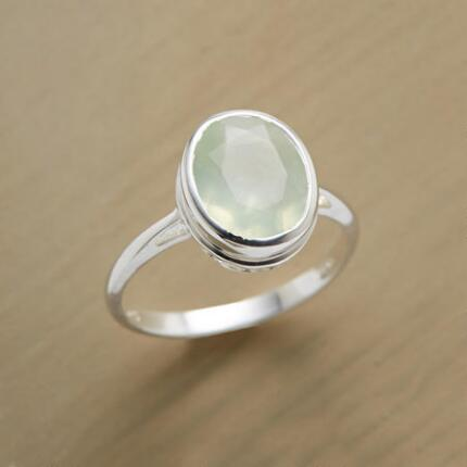 You'll love the bright, streamlined look of this pretty prehnite ring.